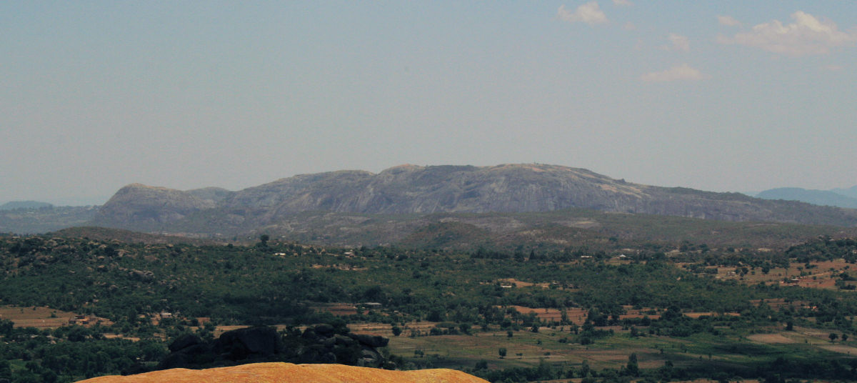 View from the summit of Domboshawa looking at Ngomakurira with the Chinhamora CL in the foreground.
