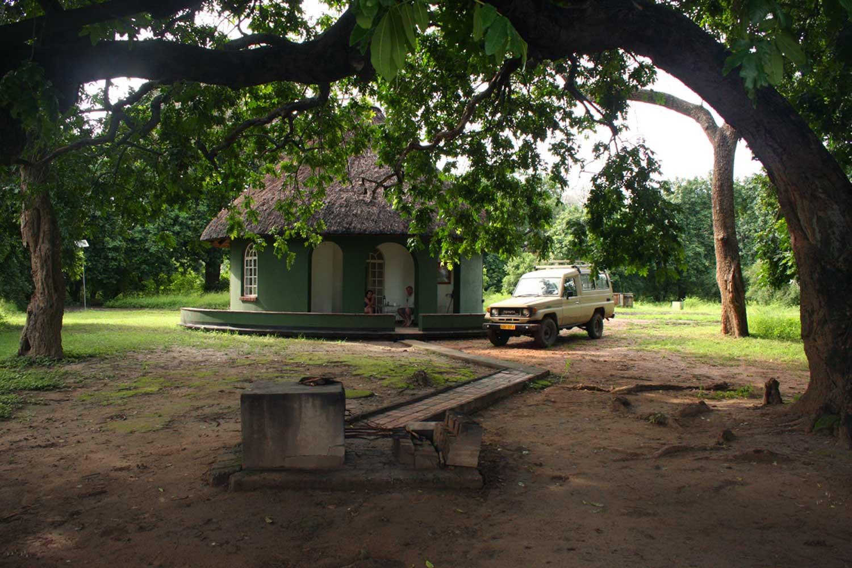 Mvee (Mubvee) Cottage, accomodation at Mana Pools National Park
