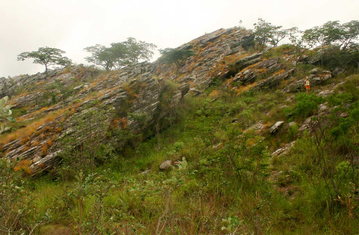 Layered rock formations with strong quartzite content