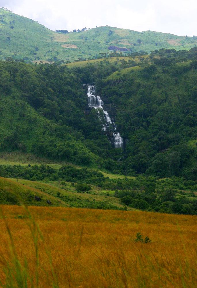 View from the grassland plateau towards Morumbodzi Falls